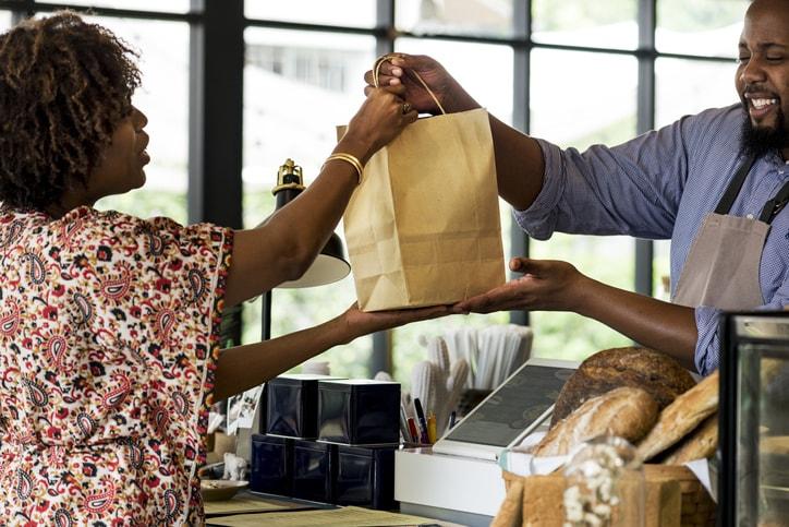 2019-11_Advantage_blogs_small-business-saturday_bakery-min